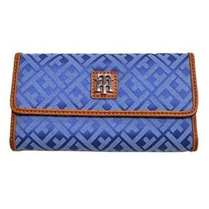 Tommy Hilfiger Women's Continental Wallet